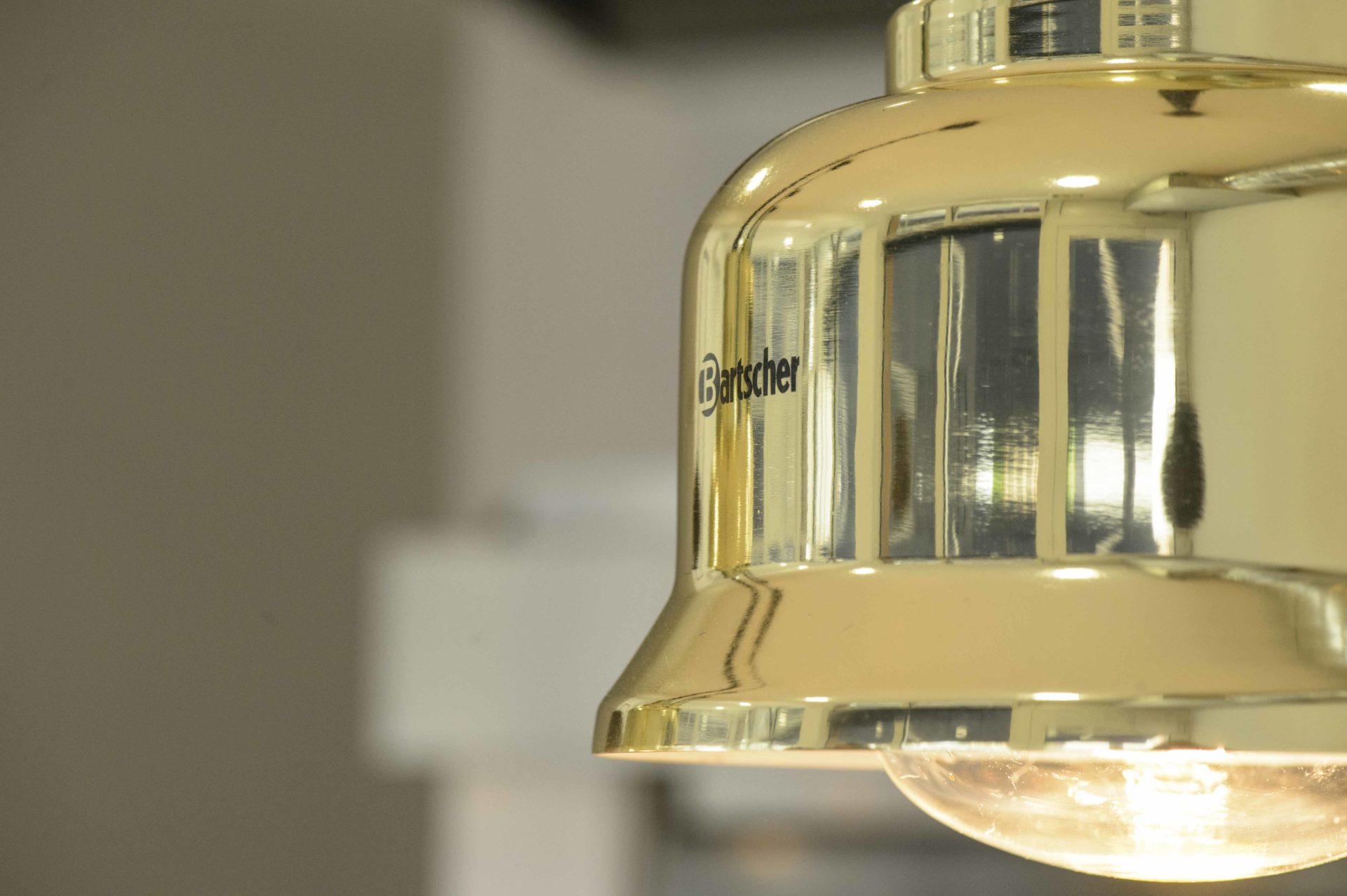 suspension lumineuse dorée