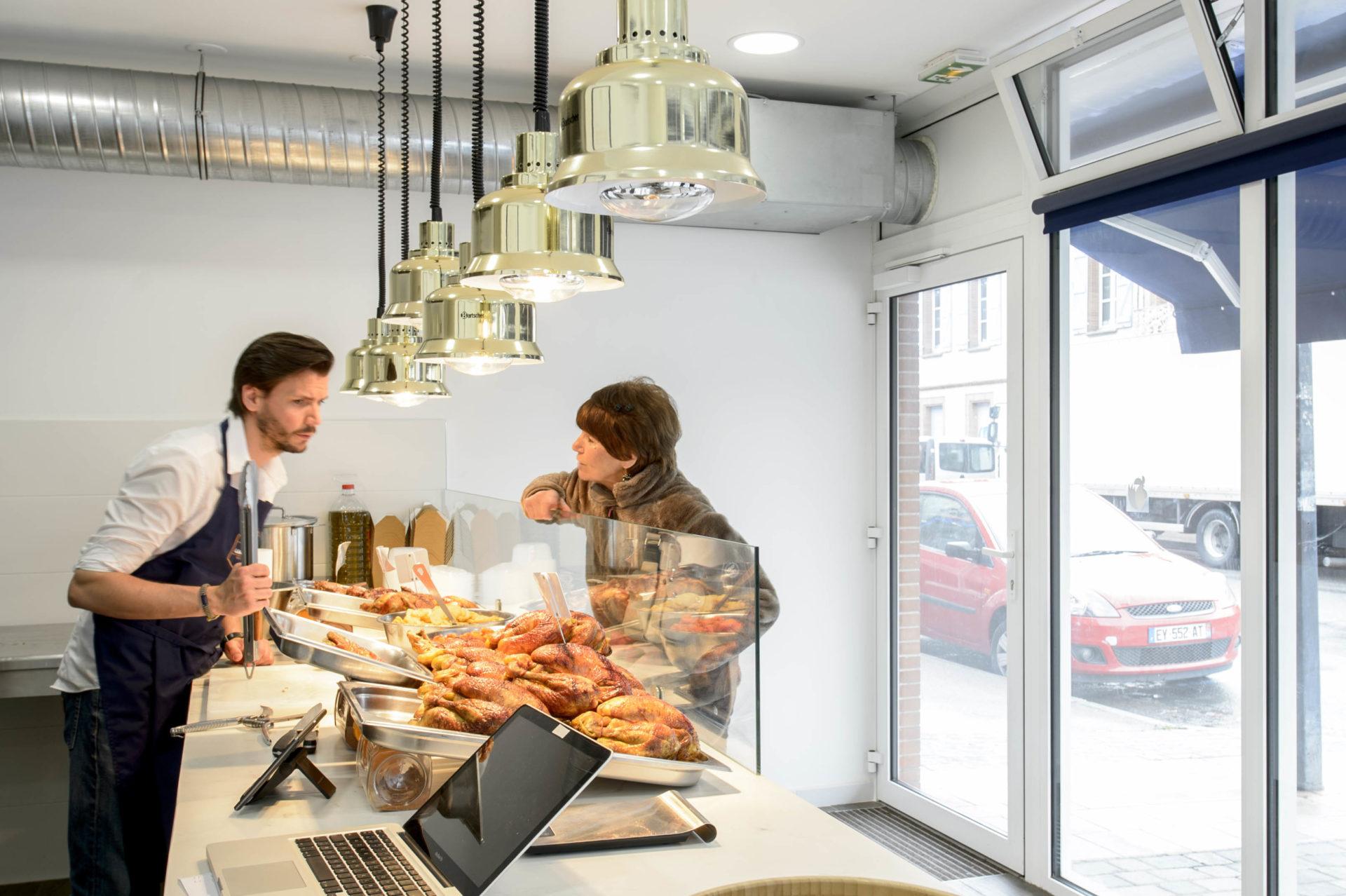boutique avec plafonniers suspendu design