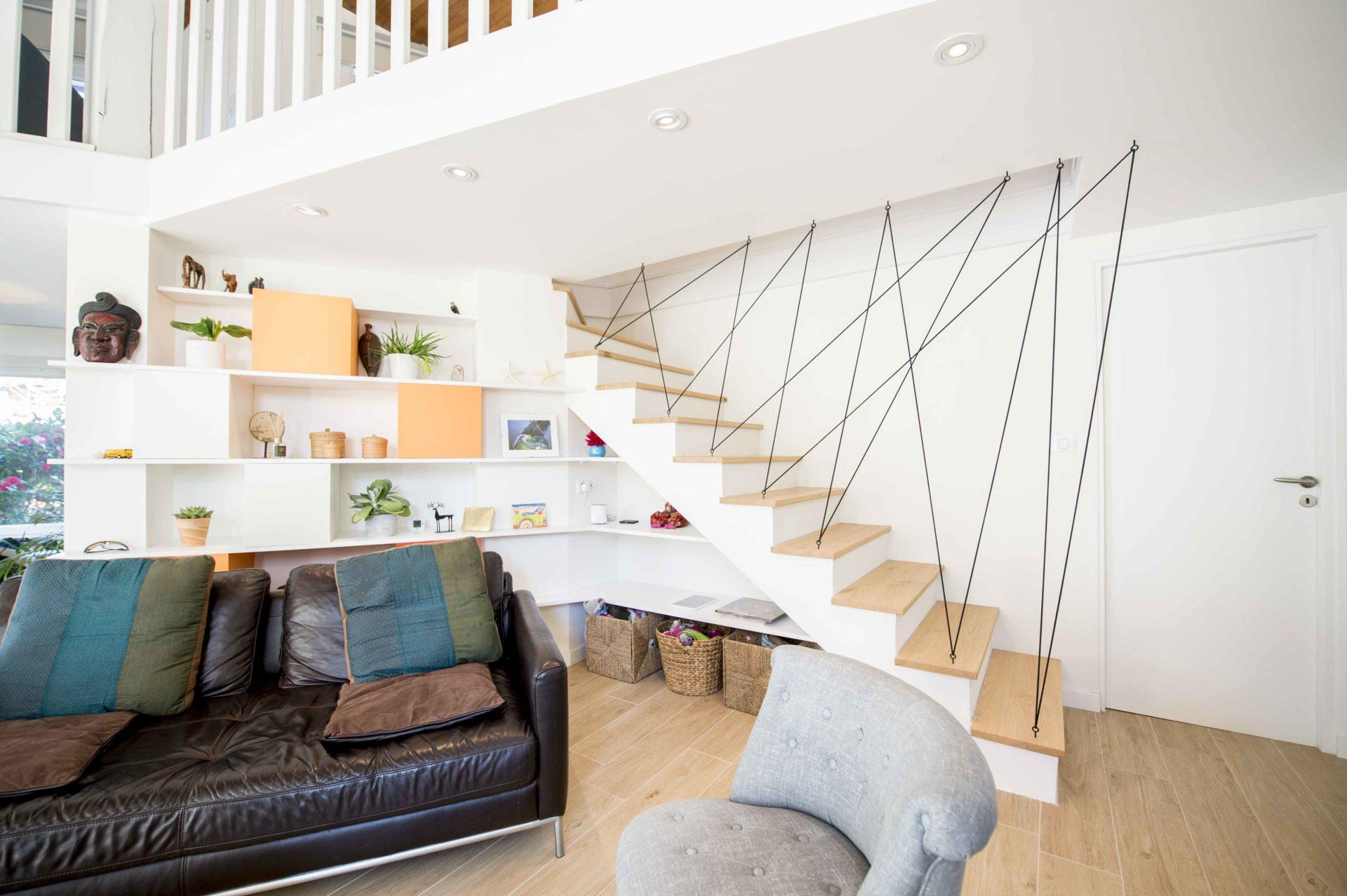 salon moderne avec spot