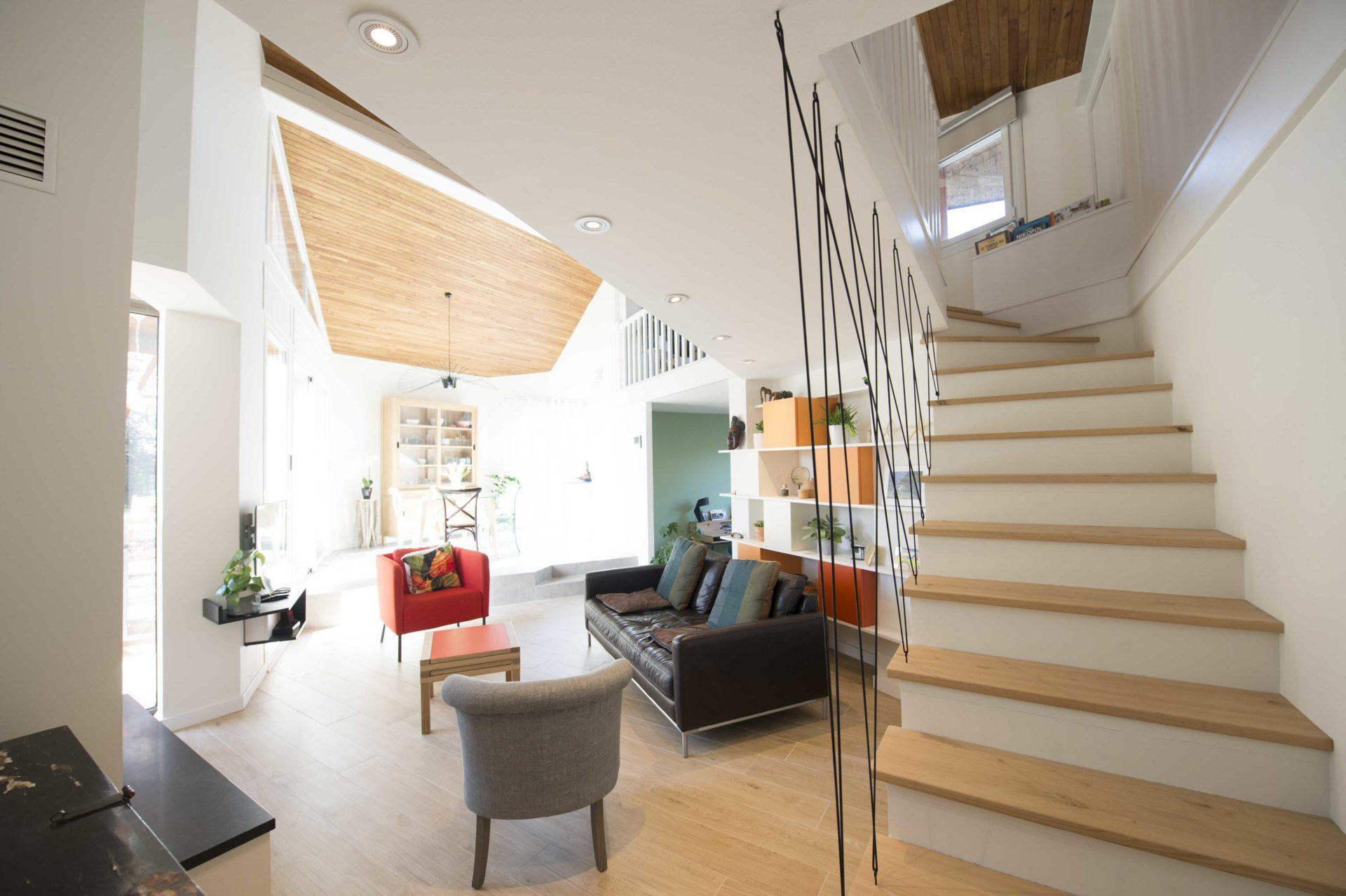 escalier moderne avec lumière design