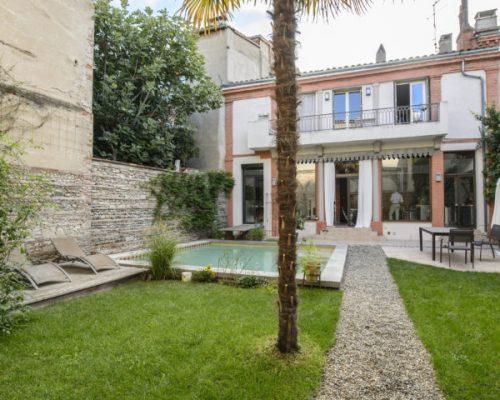 maison avec jardin et piscine