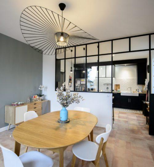 salle à manger rétro avec lumière design
