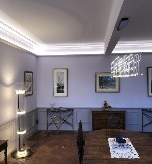 salon avec plafond lumineux