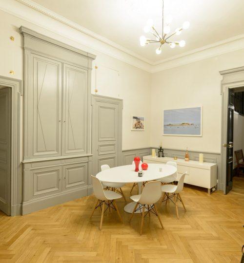 appartement avec lustre design